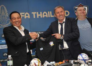 'ราเยวัช' ลั่นขอพาไทยไปบอลโลก 2022 ชี้จุดอ่อน 'ช้างศึก' เล่นไม่รัดกุม